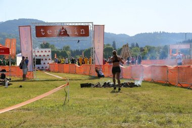 terrain mud run obstacle race